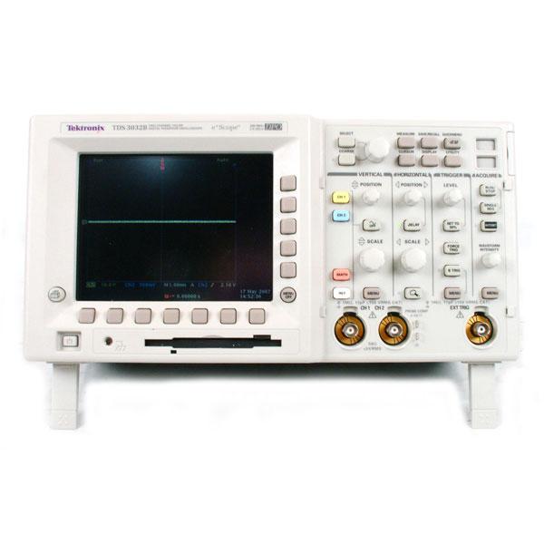 Tektronix TDS3012C осцилограф з цифровим люмінофором 2 канали, 100 МГц